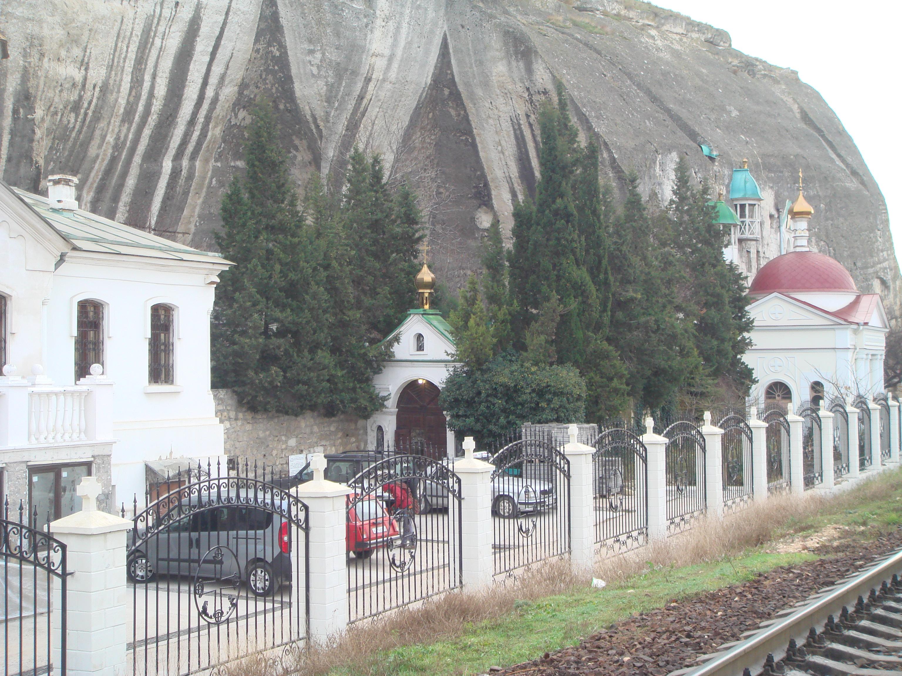 Внутренняя территория монастыря