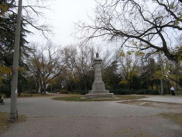 Памятник воинам 5-го бастиона в сквере