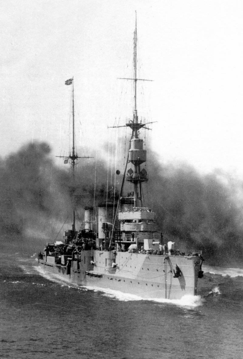 """Крейсер """"Червона Украина"""" в море, 1939 г"""